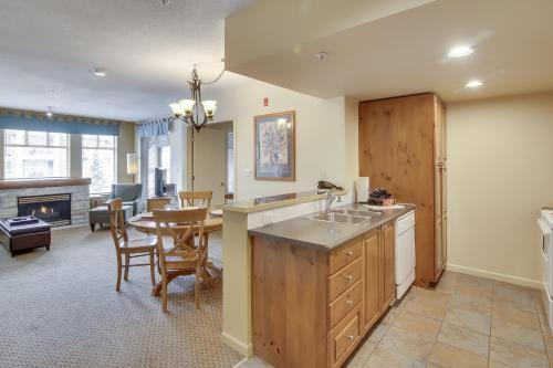 Tyndall Stone Bed And Breakfast