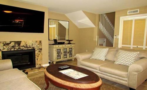 More about Queensway Condo 8600 13-A