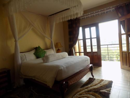 Fort Fun City Hotel, Fort Portal