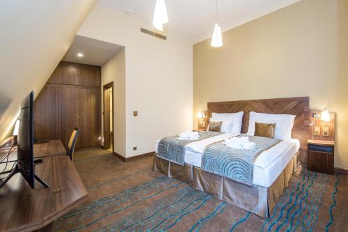 Merchants Crown Suites and Spa