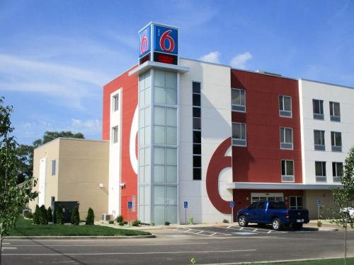 Picture of Motel 6 South Bend - Mishawaka