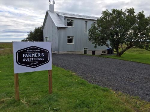 Farmer's Guest House, Hella