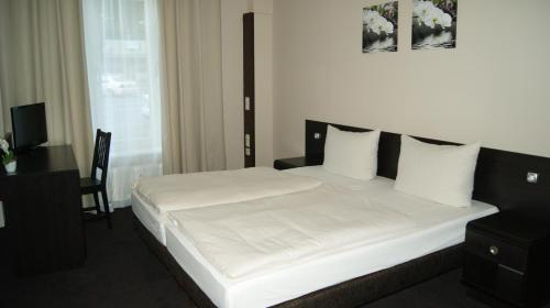 Hotel Pension Eberty photo 28