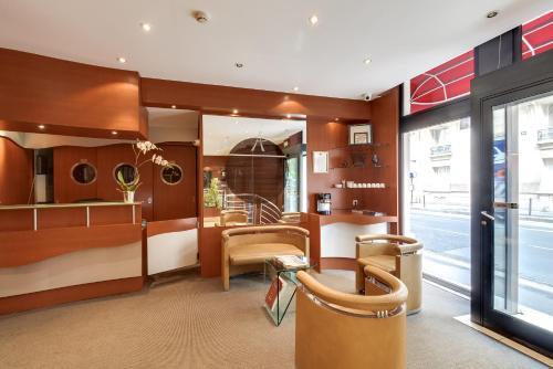 Pavillon porte de versailles paris france overview - Hotels near porte de versailles exhibition centre ...