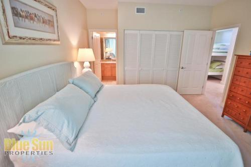 Two-Bedroom Apartment - Guestroom Aqua Beachside Resort 1511 Condo