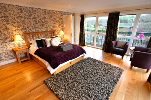 Riverside Inn, The,Bristol