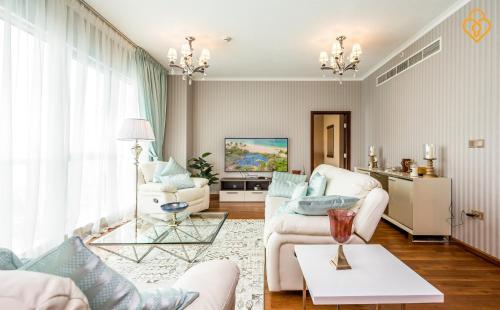 KeysPlease Holiday Homes - Three Bedroom Apartment Full Fountain View, Dubaj