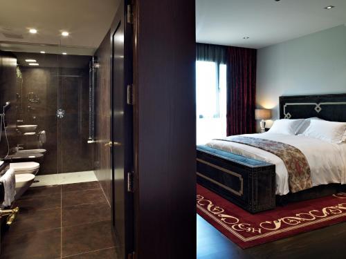Habitación Doble Deluxe - 1 o 2 camas - Uso individual Hotel Castillo de Gorraiz Golf & Spa 6
