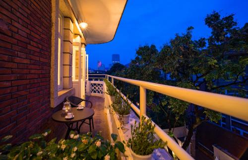 Kamar Double 202 dengan Balkon (202 Double Room with Balcony)