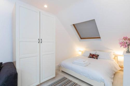 Westbourne Park Studio Apartment