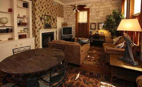 A.L. Patton Hemmingway Suite, Fredericksburg - Promo Code Details
