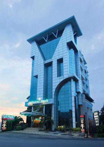 Отель Hotel Park Residency, Kakkanad 4 звезды Индия
