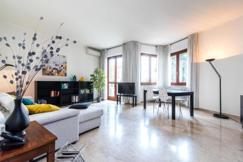 Three bedrooms apartment in Milan - 0