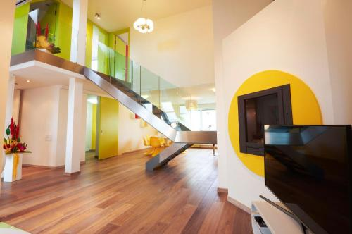 EMPIRENT New Town Apartments
