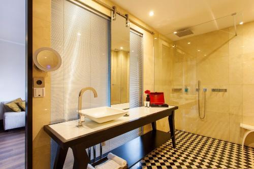 Quentin Boutique Hotel photo 19