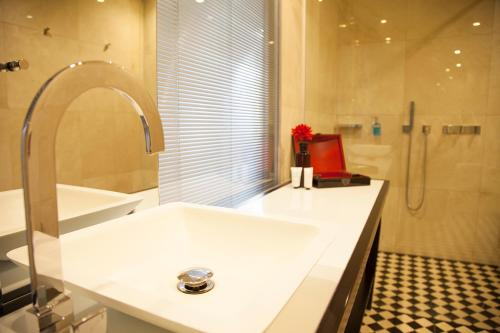 Quentin Boutique Hotel photo 63