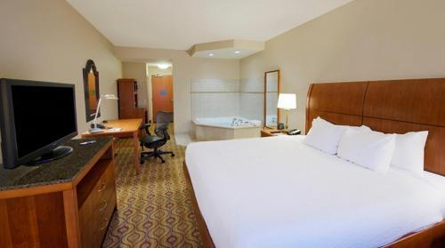 Property Image#42 Hilton Garden Inn Solomons