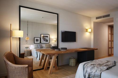 Habitación Doble con balcón - 1 o 2 camas Hotel Peralada Wine Spa & Golf 3