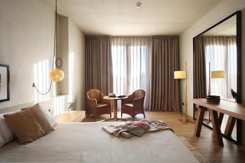 Habitación Doble con balcón - 1 o 2 camas Hotel Peralada Wine Spa & Golf 4