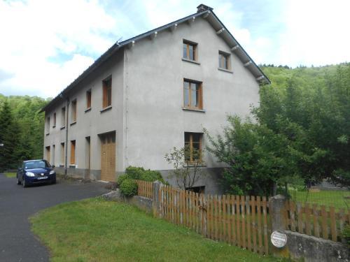 Le Bourg Route de Rochefort Orcival