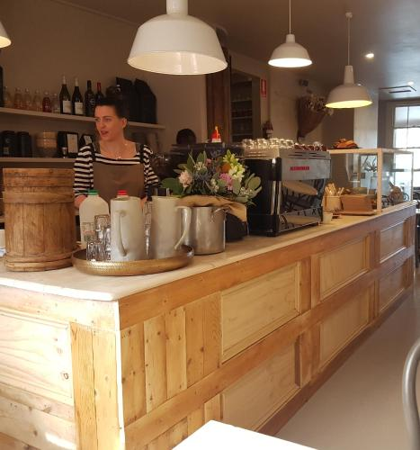 Fig Cafe and Accommodation