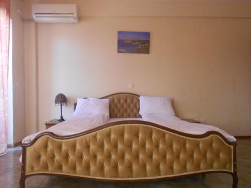 https://aff.bstatic.com/images/hotel/max500/778/77864867.jpg