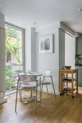 One-Bedroom Apartment - Cleveland Square VII