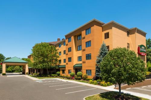 Courtyard By Marriott Danbury Hotel