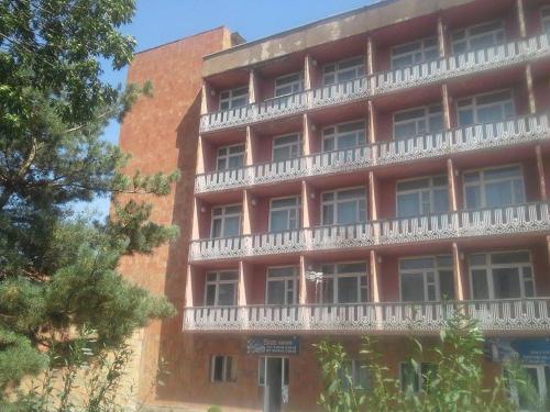 Hotel Gladzor