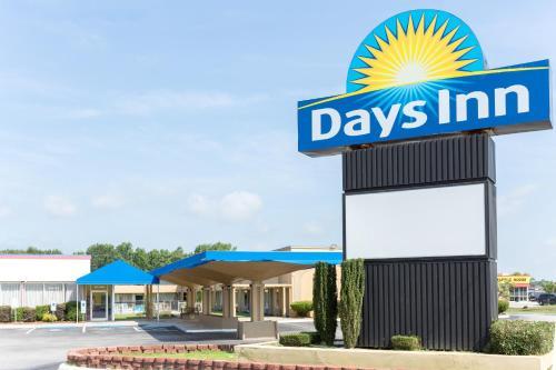 Days Inn by Wyndham Washington