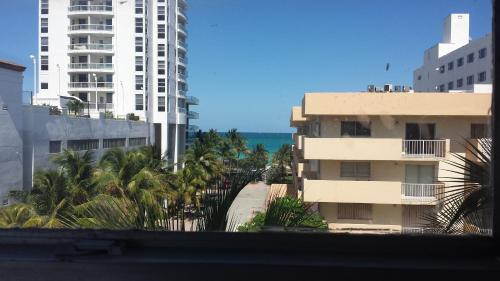 Ocean Spray Miami Beach Reviews