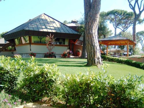 foto Hotel La Bussola (Capo Civinini)