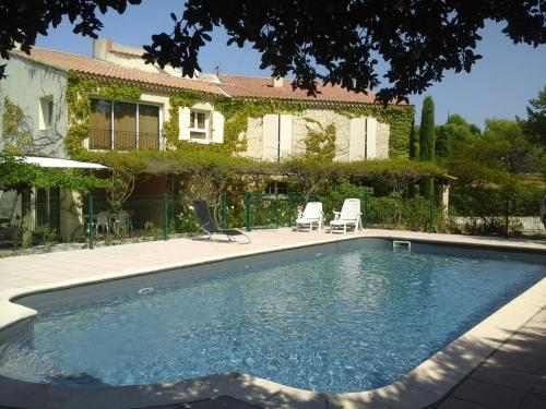 Gîte Luberon 6 personnes avec piscine