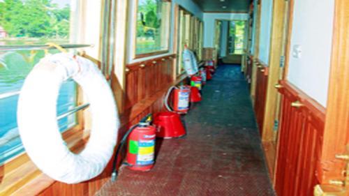 Отель Maya House Boats Premium 0 звёзд Индия