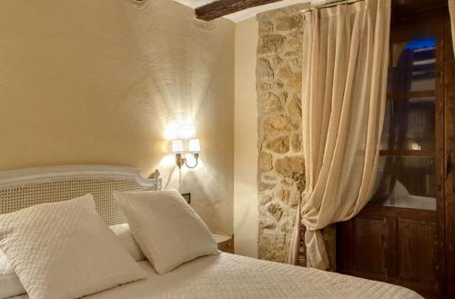 Habitación Doble Estándar - No reembolsable Hotel Real Posada De Liena 4