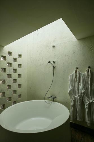 Отель Daocheng Mom's Boutique Hostel 2 звезды Китай
