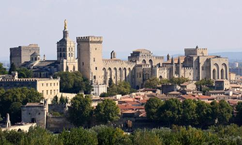 Au coeur d'Avignon au calme