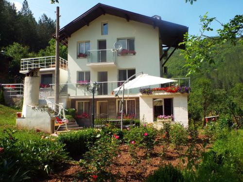 Отель The Illuminating House 0 звёзд Болгария