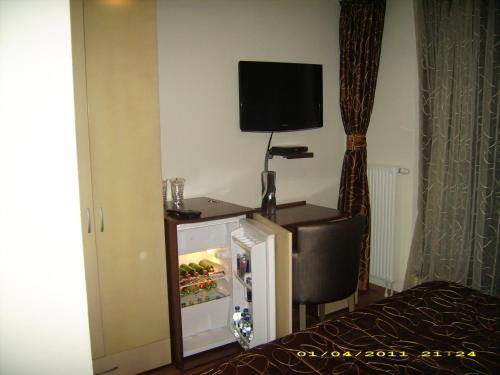 https://aff.bstatic.com/images/hotel/max500/783/7831894.jpg