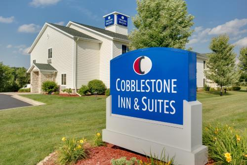 Cobblestone Inn and Suites - Clintonville