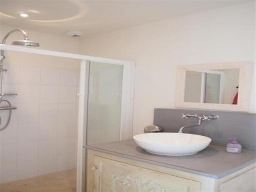 Rental Villa La Couarde Sur Mer Avec Piscine Sur Beau Jardin Clos ...