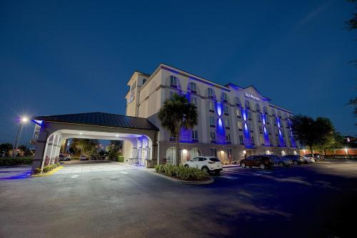 BEST WESTERN Airport Inn & Suites FL, 32809