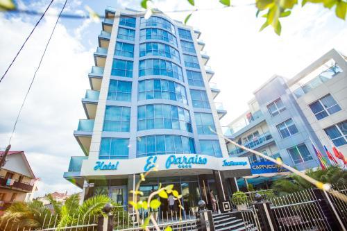 Stay at El Paraiso Hotel