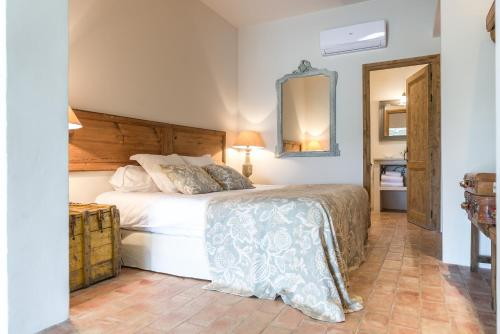 Superior Double or Twin Room with Garden View Can Bassa 1