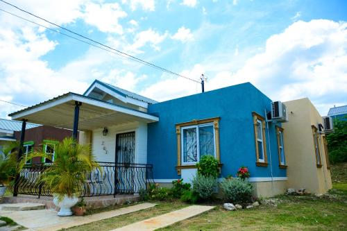 Nickel 39 s vacation homes montego bay montego bay for Jamaica vacation homes