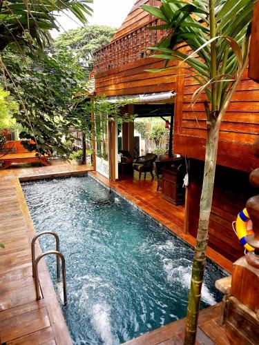 Отель Seven Senses Guesthouse 3 звезды Таиланд