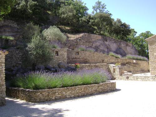 Villa en pierre sèche Le Beaucet