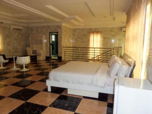 Jata Hotel and Events, Awoyaya