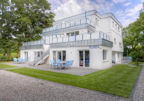 Skandinavisches haus am see  Florida Haus am Strand in Boltenhagen