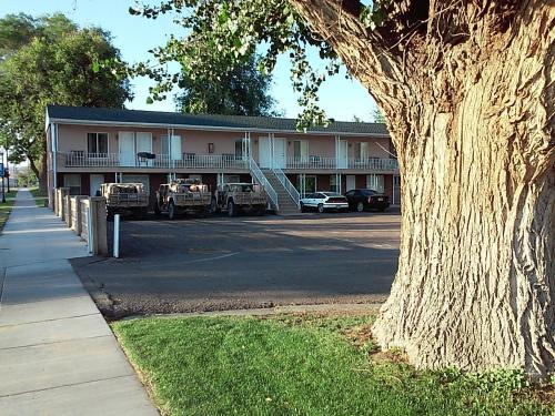 Gunnison Inn